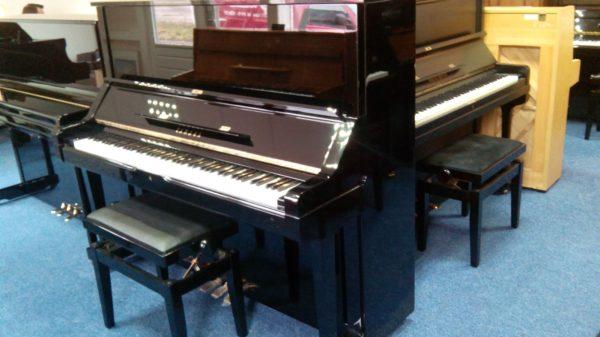 Yamaha UX ; zeer professioneel instrument. In prijs verlaagd! verkocht