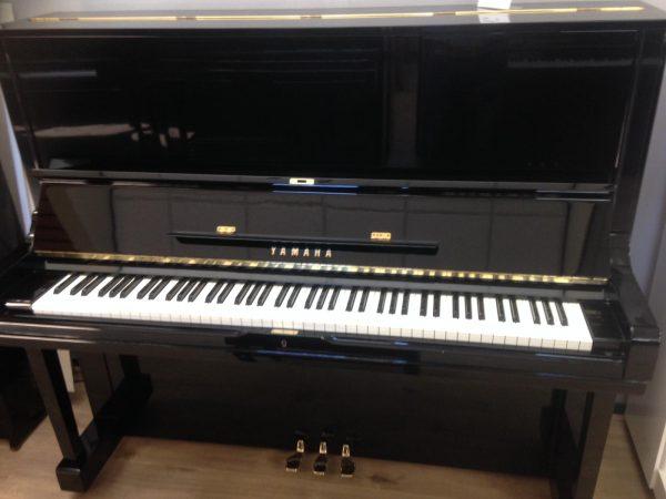 Yamaha U3H verkocht